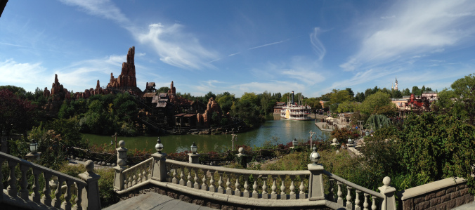 Disneyland Paris - river