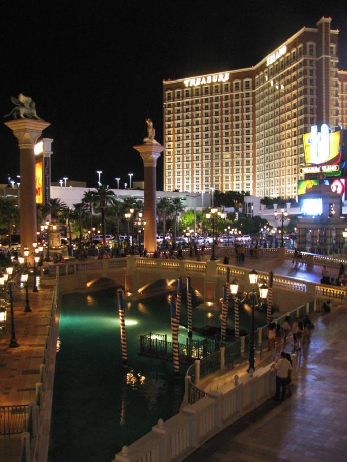Las Vegas - treasure island hotel