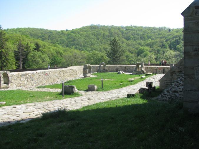 Manastirile din Moldova -cetatea neamt 3
