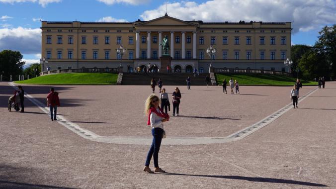 Oslo - royal palace1