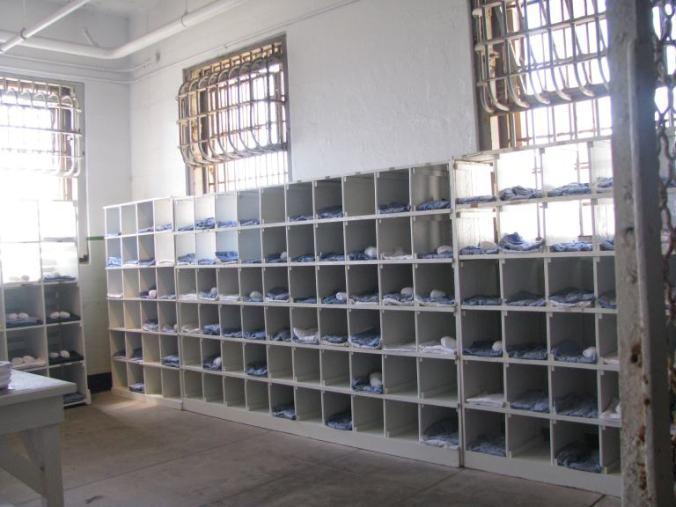 San Francisco - alcatraz clothes