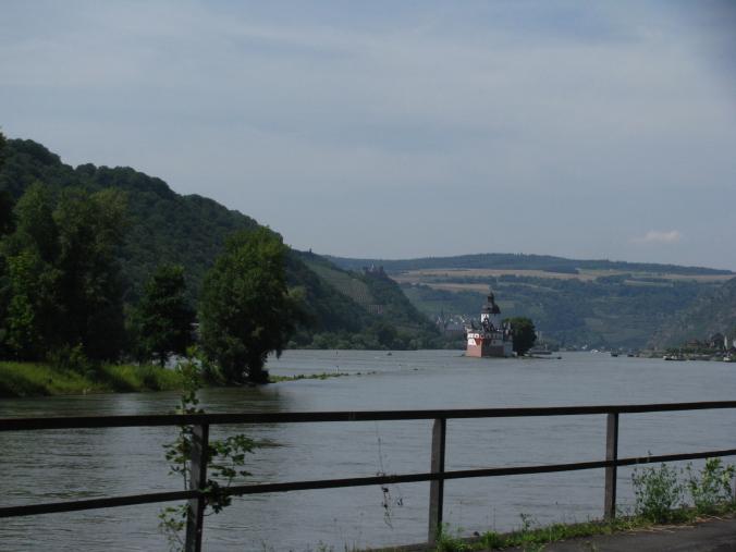 Valea Rinului - island