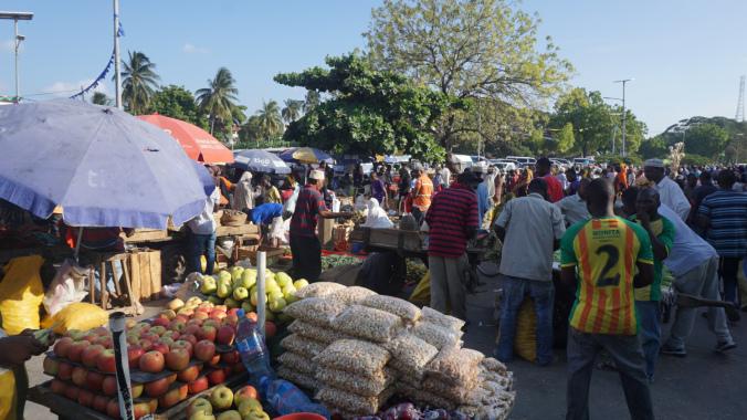 Zanzibar - stone town fruit market