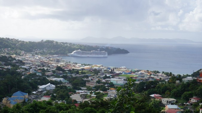 Saint Vincent si the Grenadines - cruise ship
