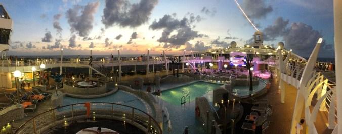 croaziera in caraibe - cruise ship