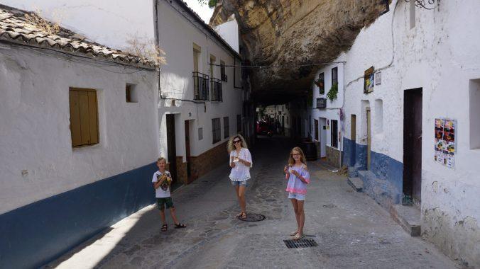 Setenil de la Bodegas -cuevas de la sombra1