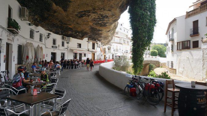 Setenil de las Bodegas - cuevas del sol