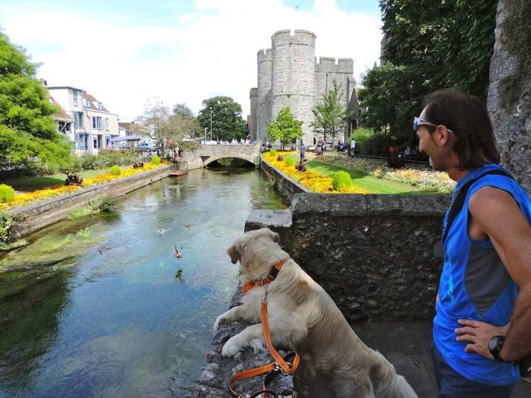 Canterbury, il Castello lungo il fiume Great Stour