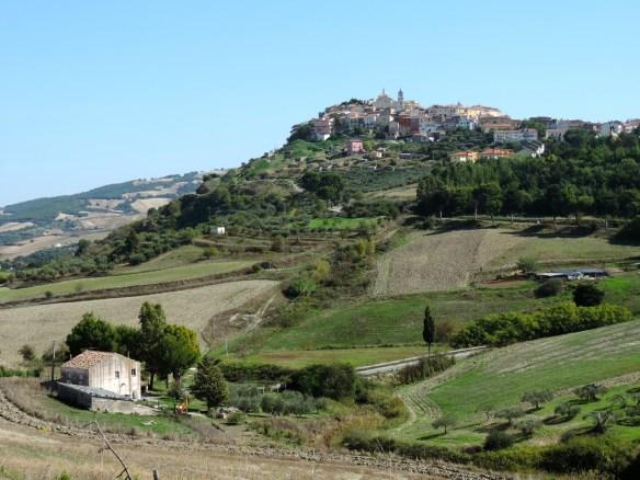 Tolve, strade e paesaggi della Basilicata.