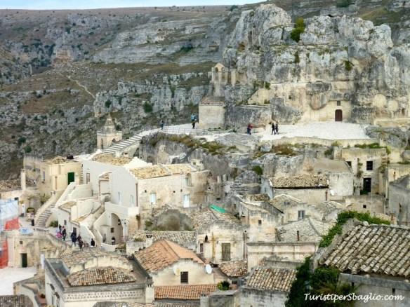 Monte Morrone e Santa Maria de Idris visti da Piazza Pascoli