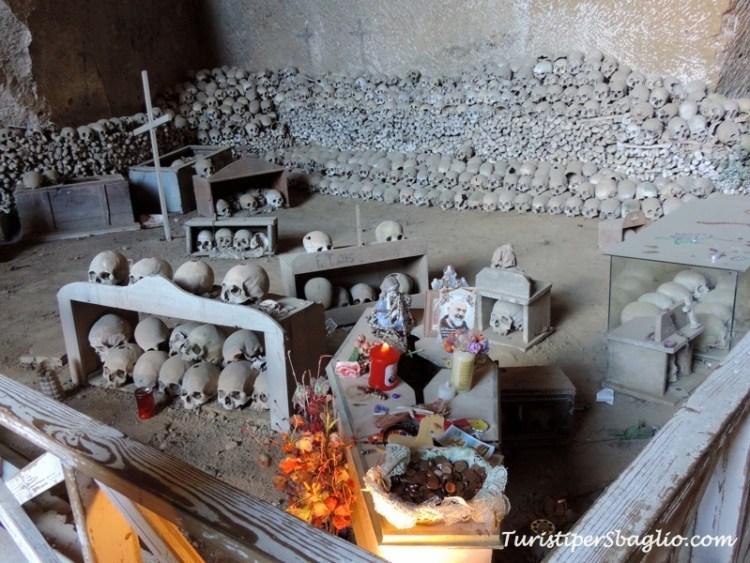 Napoli - Insolita Guida - Cimitero delle Fontanelle - 05_new