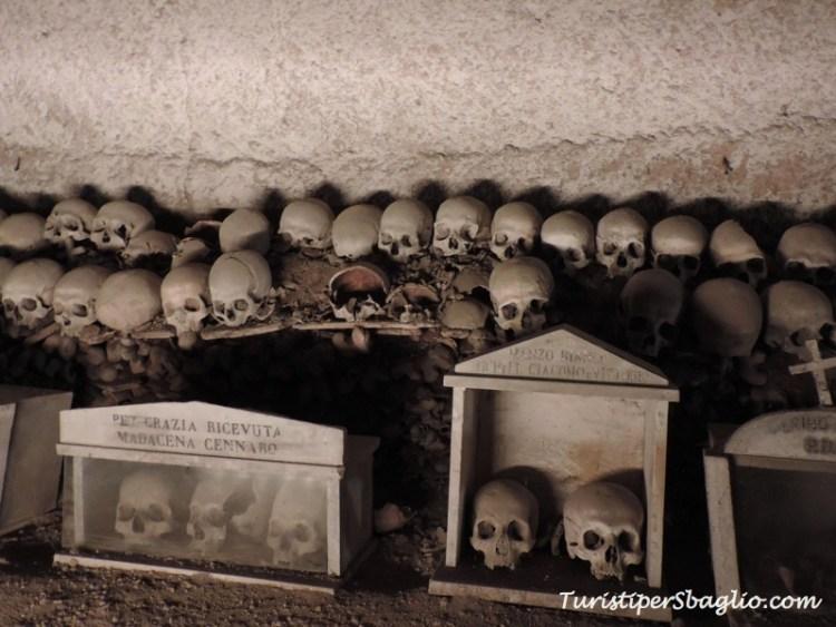 Napoli - Insolita Guida - Cimitero delle Fontanelle - 11_new