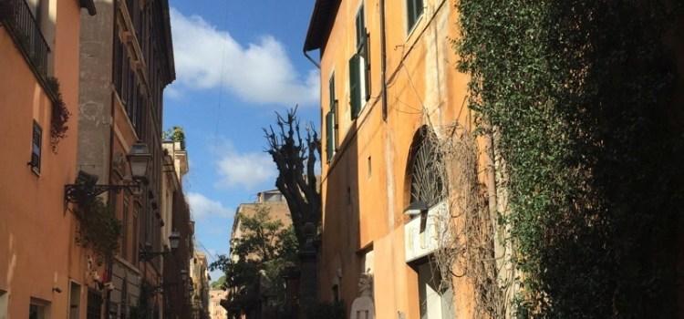 Via Margutta, Roma – Una pausa nella strada degli artisti…