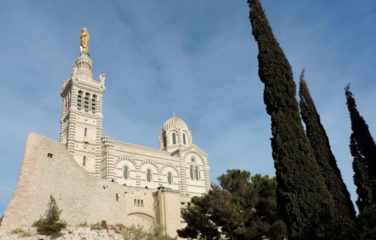 Cose da fare a Marsiglia arrivare a Notre Dame ad ammirare il Cinemascope