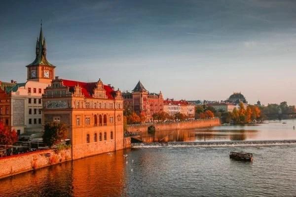 Prag belediyesi Airbnb kiralamalarını kısıtlayacak.