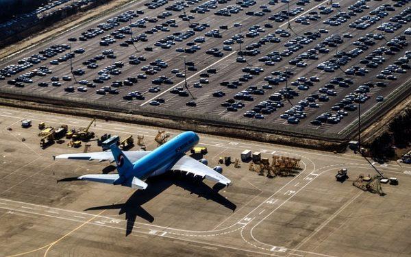 Covid 19 nedeniyle dünyada ticari uçakların üçte biri park halinde