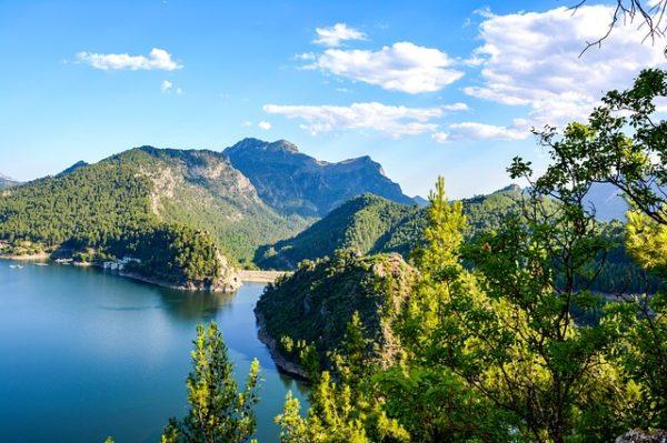 Türkiye genelinde 10 gölün koruma statüsü değişti.