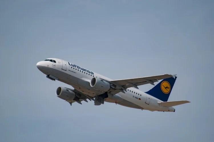 Alman Lufthansa 756 milyon euro zarar açıkladı