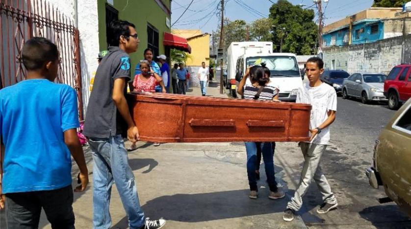 Venezuela hükümeti, hapishane yangınına dair sessizliğini bozdu