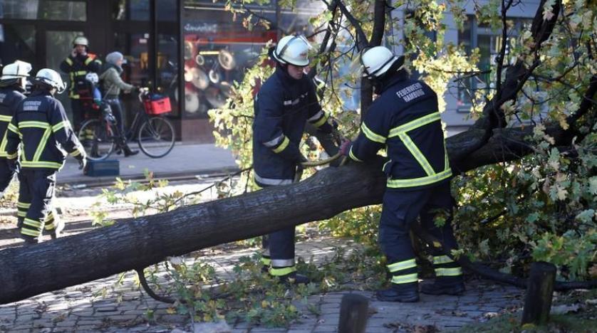 Almanya'da fırtına: 1 ölü, 1 yaralı