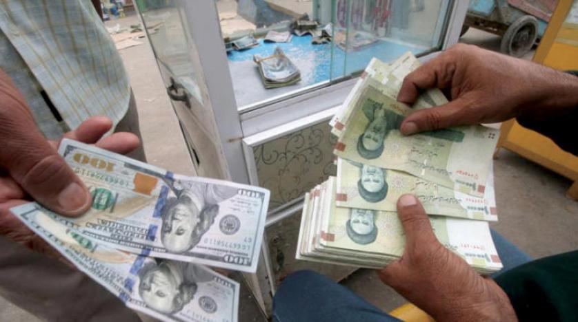 """İran'da onlarca """"dolar spekülatörü"""" gözaltına alındı"""