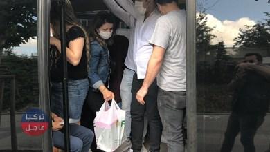 شاهد كم راكباً اخرجتهم الشرطة من حافلة صغيرة وقيمة الغرامة التي تلقاها السائق في إسطنبول