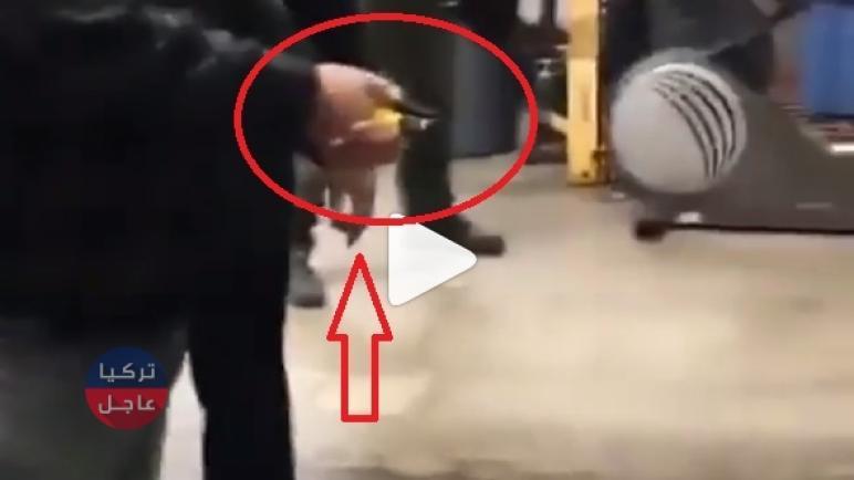 شاهد بالفيديو سـ.ـلاح جديد في أمريكا للقبض على المشتبهين عن بعد وتكبيلهم