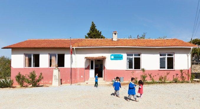 Ystävyyskoulu Karamanlar Turkki