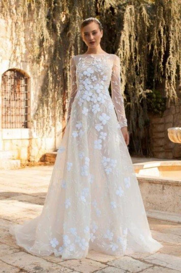لبيع فساتين الزفاف والسهرة المميزة