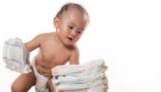 مشروع توزيع حفاضات الاطفال