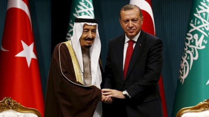 CHP Milletvekili Hatay Mehmet Güzelmansour, Suudi Arabistan'a uygulanan gayri resmi yasağın sebep ve sonuçlarına değinmek ve bu yasağa karşı alınacak tedbirleri belirlemek amacıyla Türkiye Büyük Millet Meclisi'nde halka açık toplantı açılması önerisinde bulundu. CHP grubunun önerisi olarak Türkiye Büyük Millet Meclisi Genel Kurulu'nda görüşülen öneri AKP ve MHP'nin oylarıyla reddedildi.