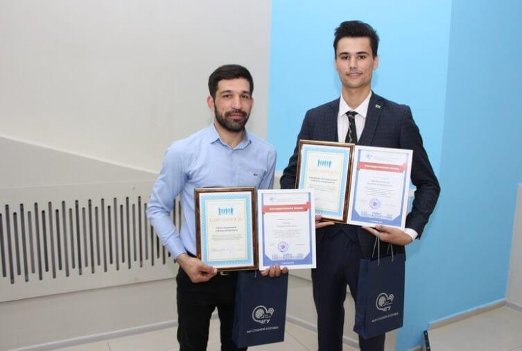 Студентов из Туркменистана наградили за спасение женщины в Казани