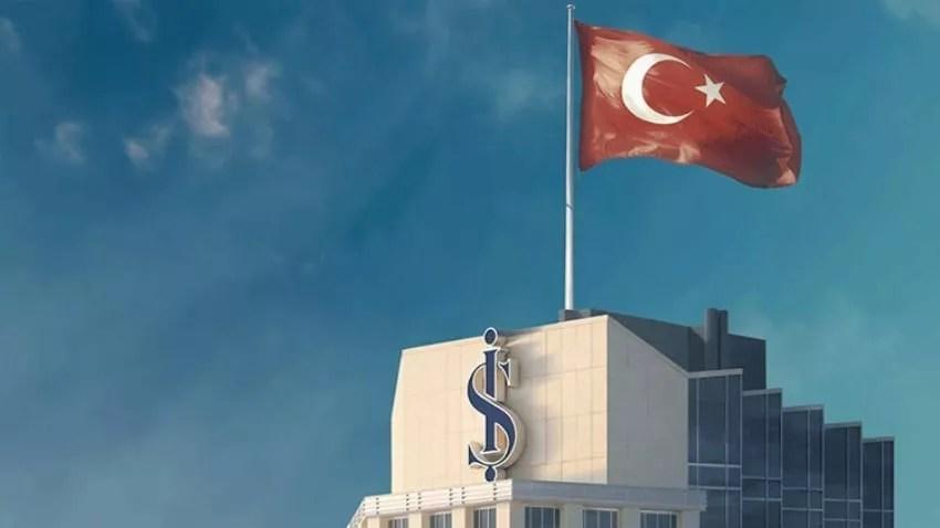 ايش بنك يعلوه علم تركيا