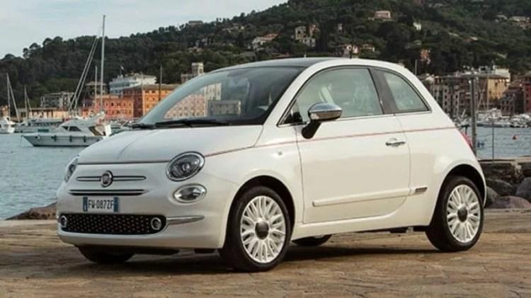 Автомобиль Fiat 500 в Турции