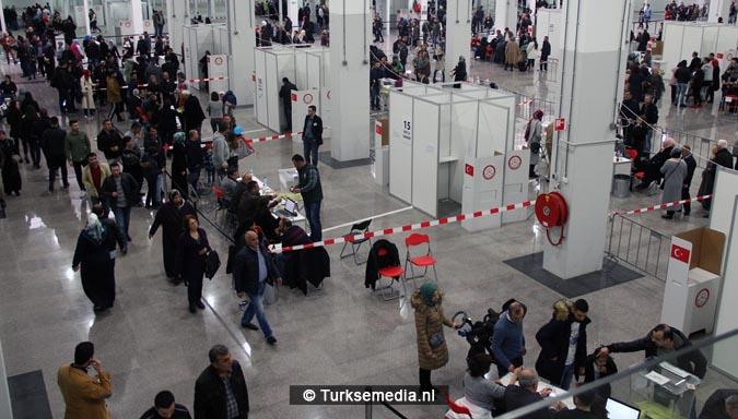 Turkse Nederlanders massaal naar de stembus4