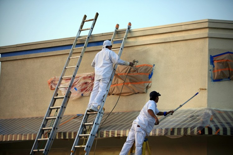 How to Maintain A Commercial Paint Job