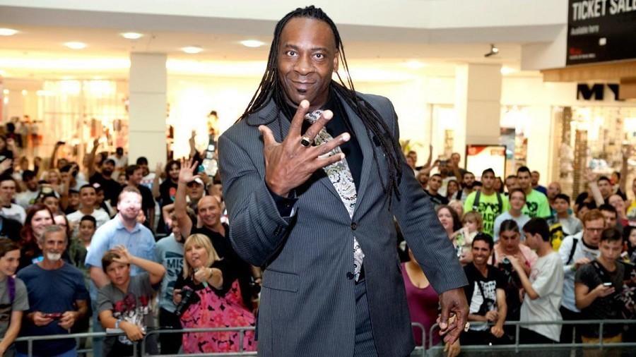 Booker T habla sobre como AEW sera alternativa y no una competencia para WWE