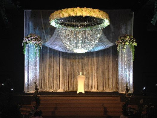 turnkey-event-planning-stage-setup