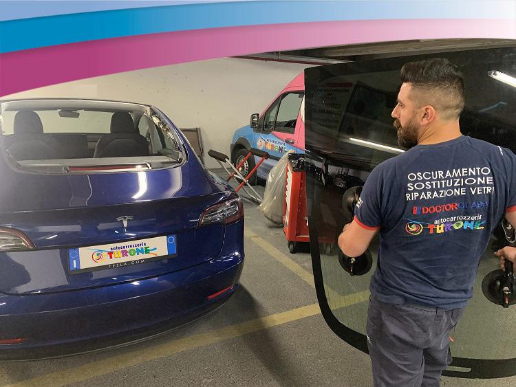 """Sostituzione vetri auto: anche i clienti """"Tesla"""" scelgono Turone!"""