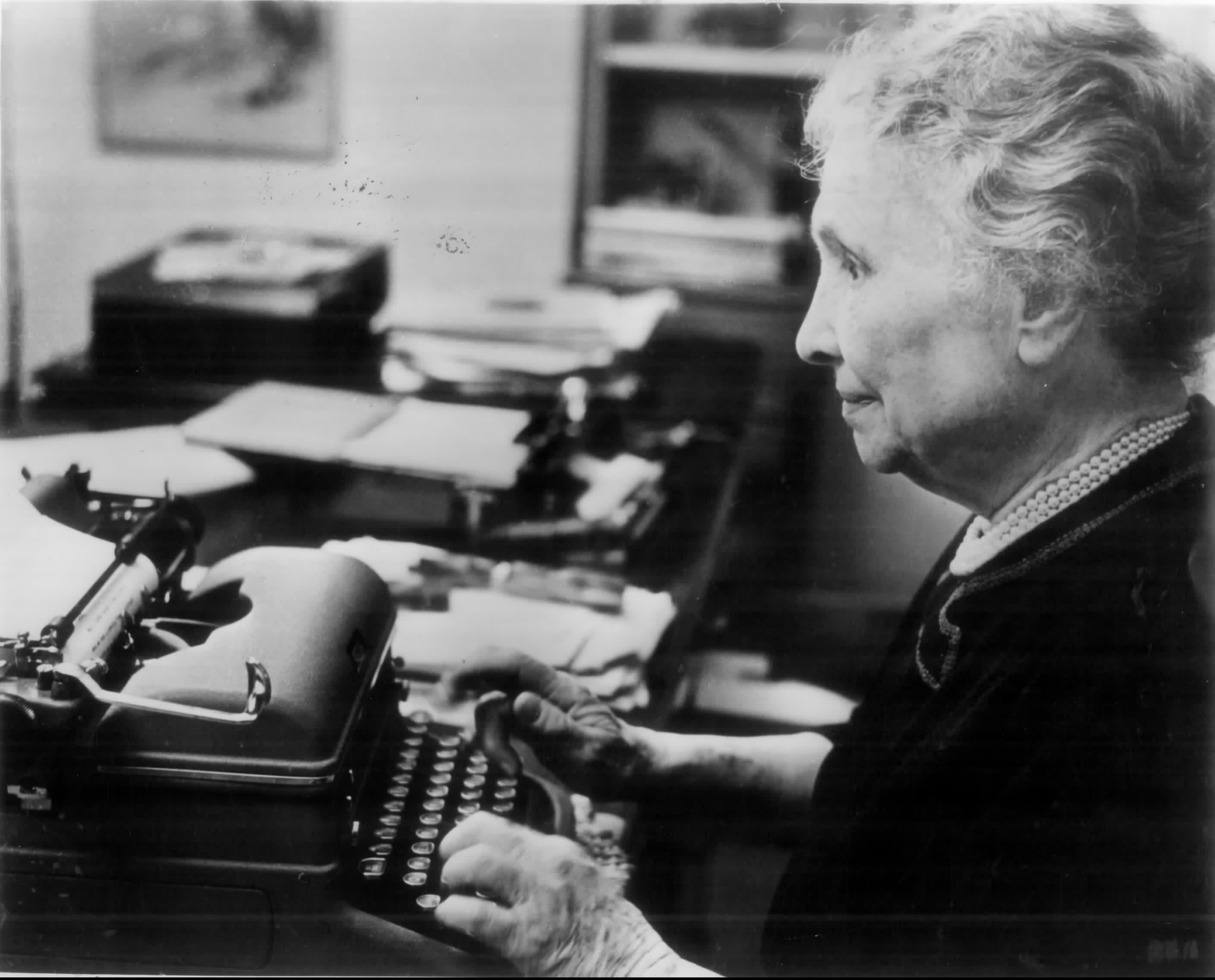 50 Brilliant Helen Keller Quotes on Vision And Success