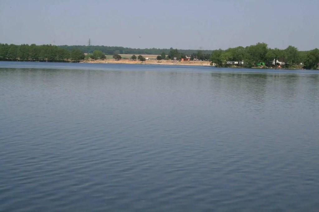 Pławniowice - jezioro i wieś