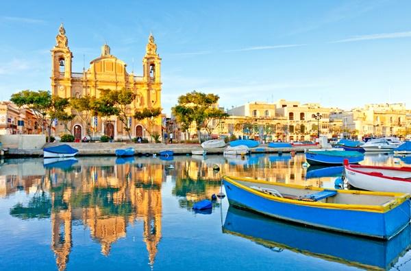 Tajemnicza Malta: kryształowe morze, zapierające dech w piersiach zabytki i kupa zabawy