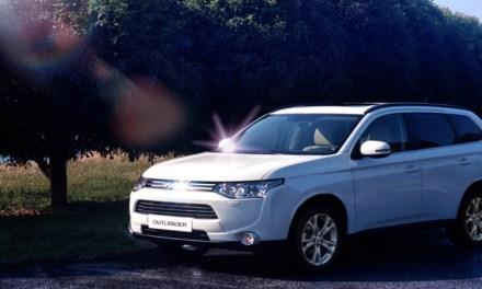 Outlander 2013 wyróżniony przez Automotive Science Group