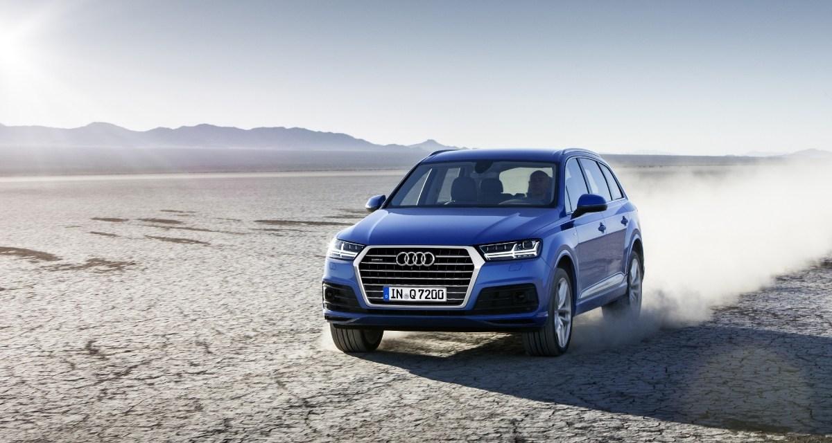 Nowe Audi Q7 samochodem roku Playboya