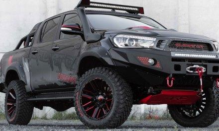 Toyota Hilux spotyka Gladiatora