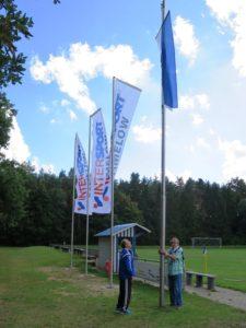 tus-fahne-weht-im-waldstadion-2