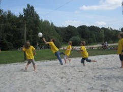 kinder_volleyball