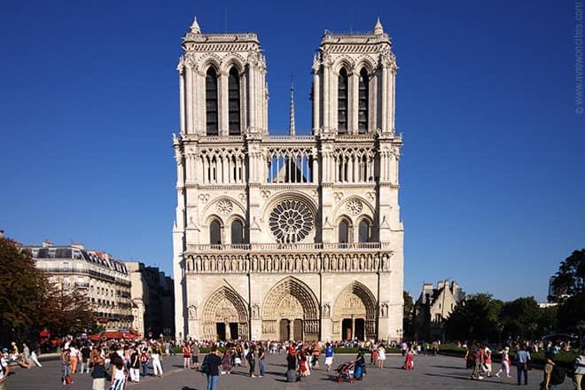 #NotreDame: Trauer und Entsetzen über den Brand in Paris