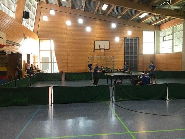 Pokalaus der Tischtennisjugend nach großem Kampf