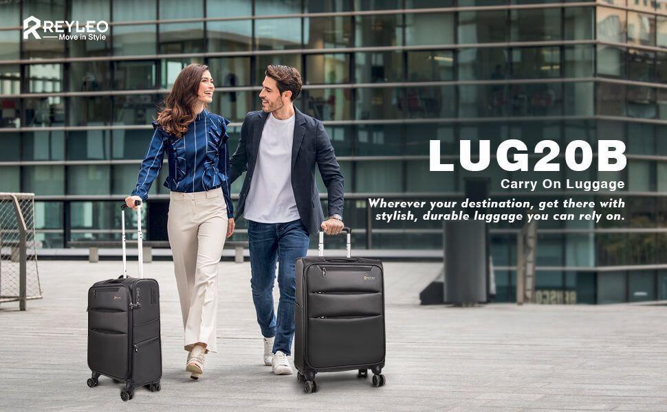 hombre y mujer con maletas negras
